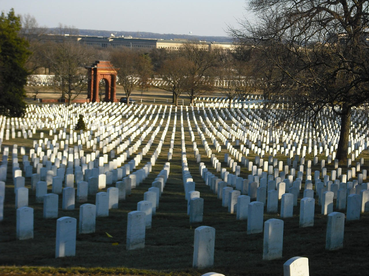 arlington-national-cemetery-350566_1280 (1)